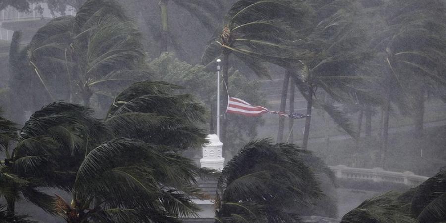 MAE: Alți trei cetățeni români - evacuați din insula Saint Martin, afectată de uraganul Irma