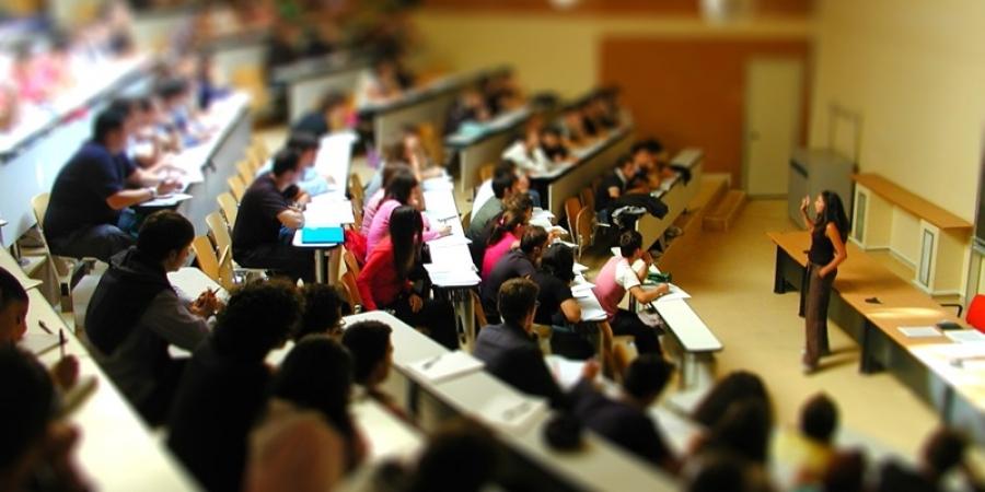 Studenţii masteranzi de la universităţile tehnice din ţară vor primi şi diplome franceze