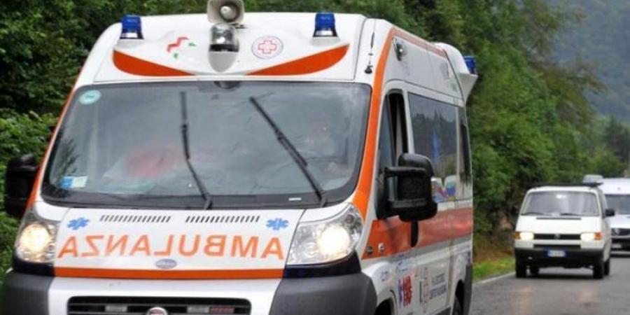 Sfârșit tragic pentru un tânăr român din Italia. A vrut să facă o glumă colegilor săi și a căzut din camion